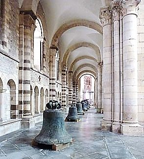 Cloches cathedrale revues 24 11 19